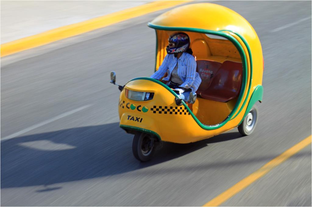 Coco-taxis à Varadero, Cuba